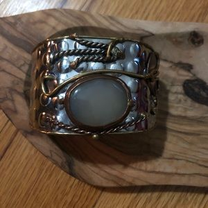 Jewelry - ARTISIAN BRACELET!